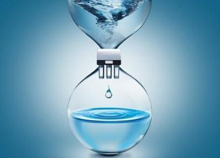 过期的桶装水能通过烧水后再喝吗